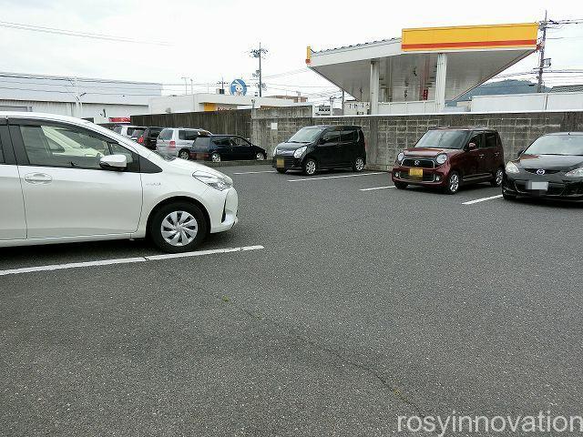 キッチンネコマチ2 駐車場