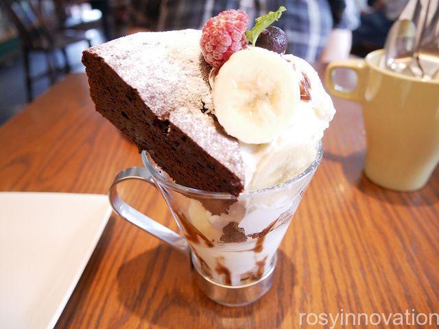 ケーキ マーゴカフェ13 ガトーショコラのパフェ