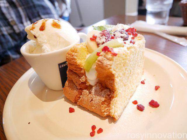 マーゴカフェ15 シフォンケーキとアイス