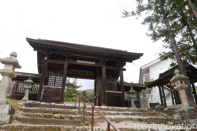 船川八幡宮2 門