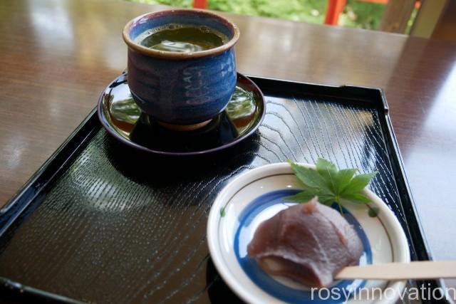 由加神社22 あんころ餅とお茶