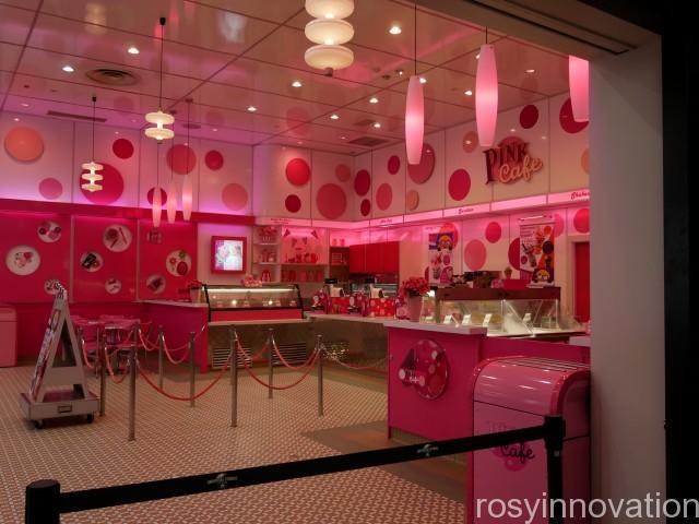 ピンクカフェ 内装