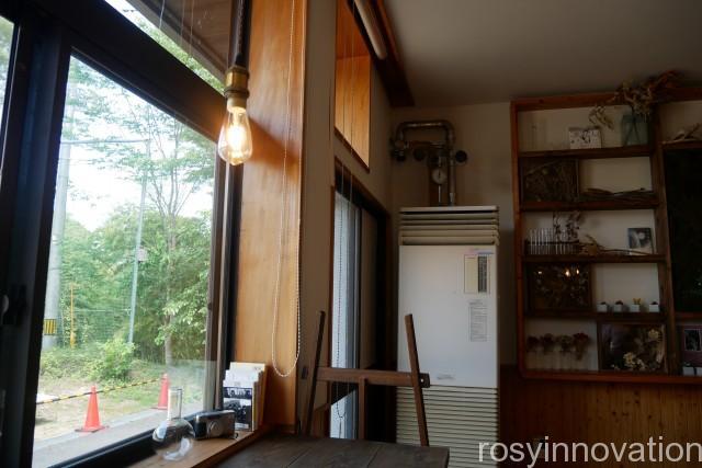 森ノナカノカフェ (5)窓辺