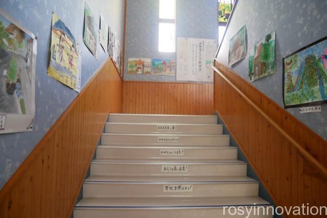 森ノナカノカフェ (19)階段