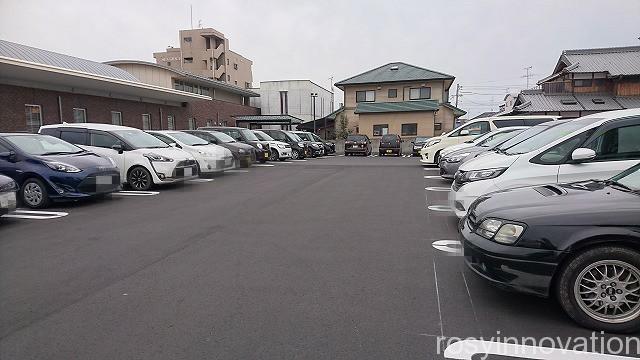 むさしの森珈琲 岡山 (1)駐車場 車