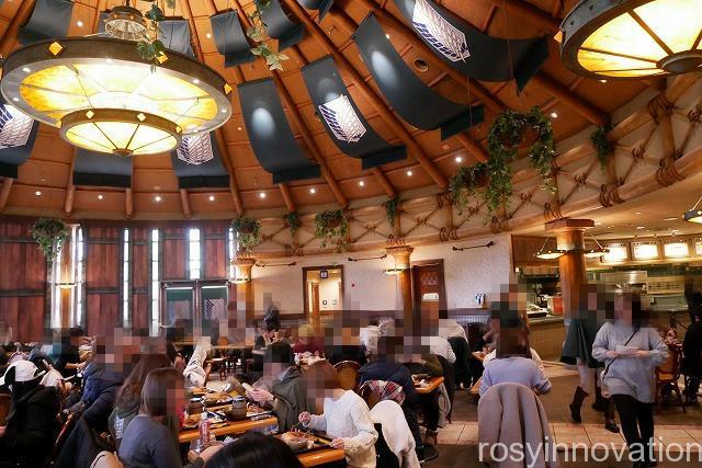 進撃の巨人 調査兵団の食堂の感想レビュー (4)待ち時間