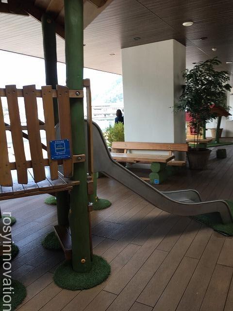 高梁市図書館 (11)遊具