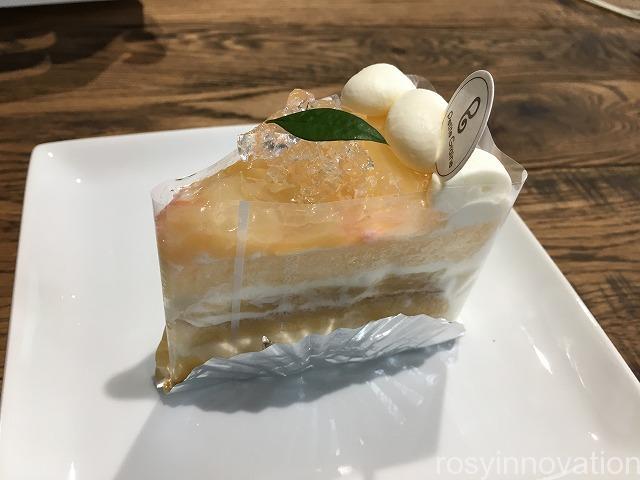 プティグレーヌ2020 (2)白桃のケーキ