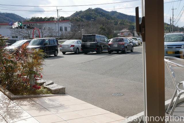 カフェサンラヴィアン (2)駐車場