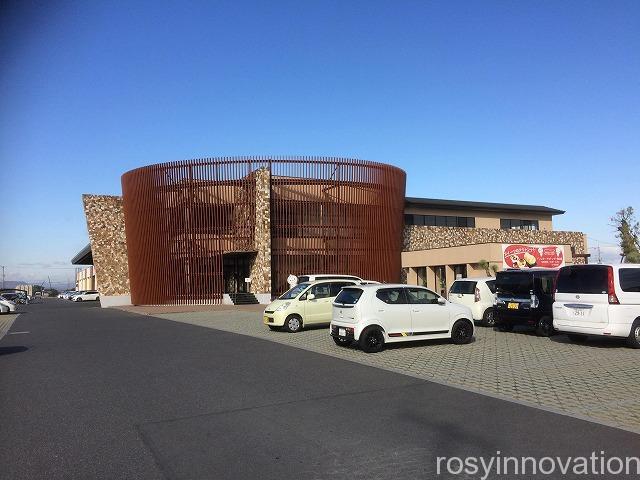 ドンレミー (4)駐車場