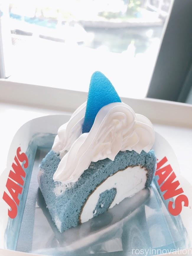 USJ食べ歩き2020年8月版 (2)ジョーズ ロールケーキ