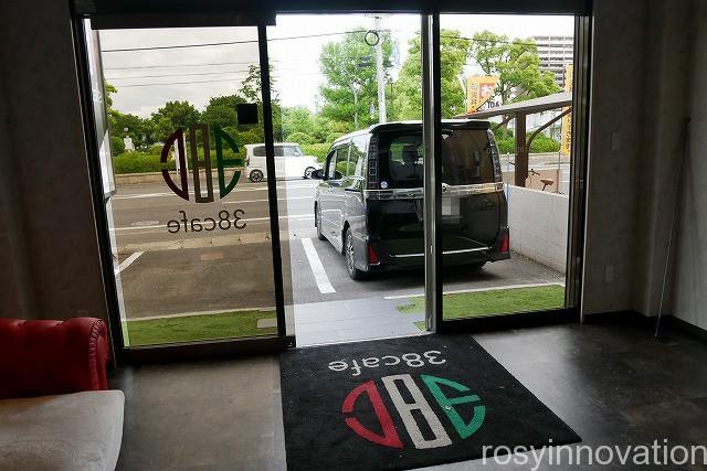 38cafe岡山店 (1)駐車場
