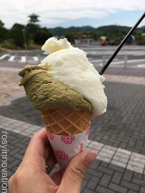 吉備サービスエリア下りの醍醐桜のジェラート (2)ほうじ茶