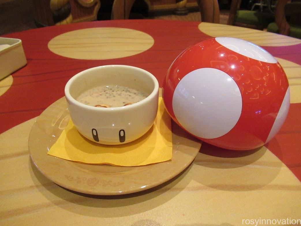 USJ人気のフード (5)キノピオカフェ スープ マリオフード