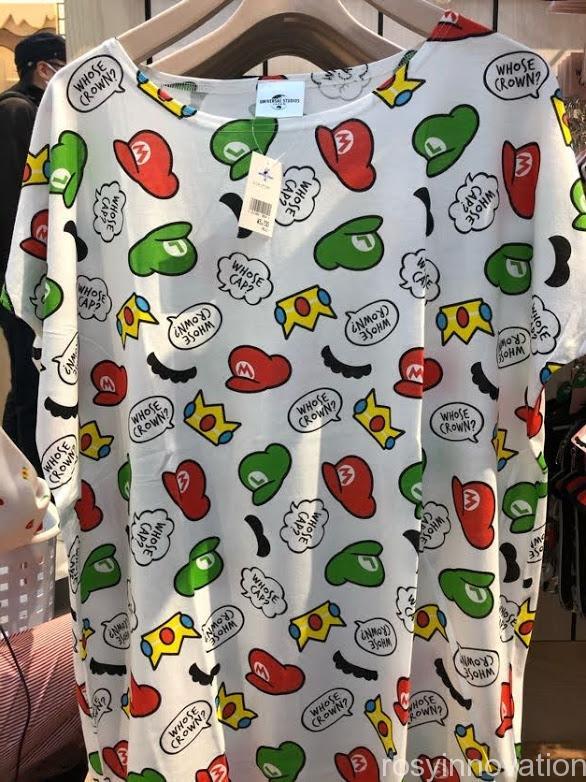 xUSJ マリオカフェ&ストアグッズ WHOSE CAP? 総柄Tシャツ