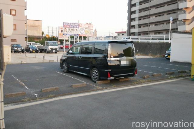 成田家平野店 庭瀬 (2)駐車場