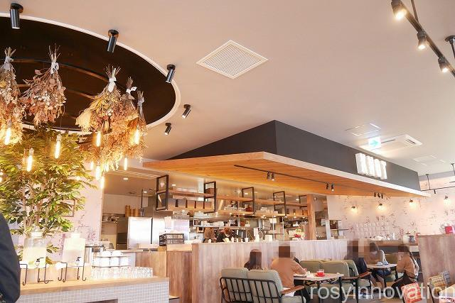 KNOT Tea&Farmkitchen ブランチ北長瀬 (10)店内