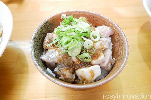 らぁ麺はんにゃ (11)チャーシュー丼