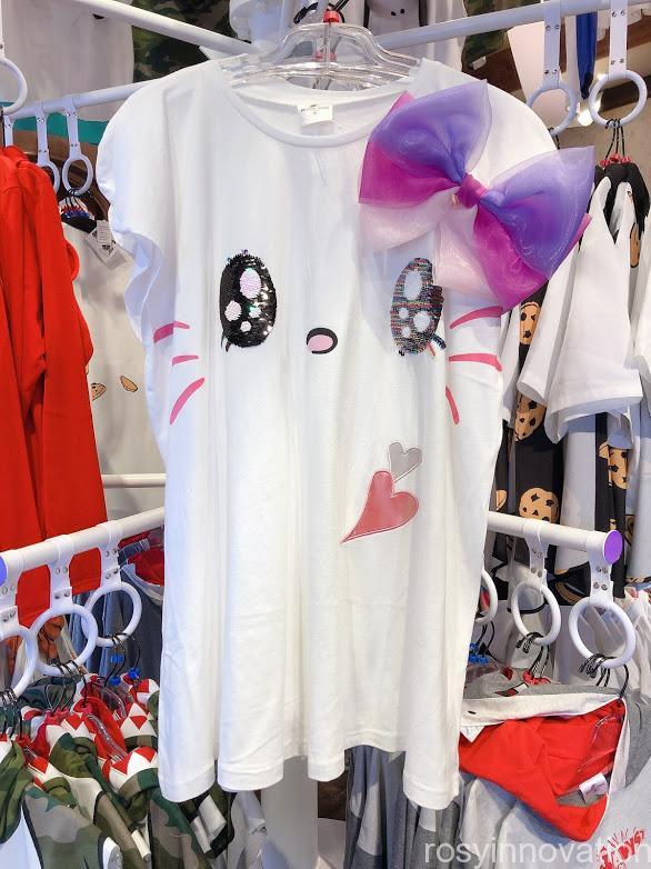 ユニバ20周年グッズ ファッション キティTシャツ