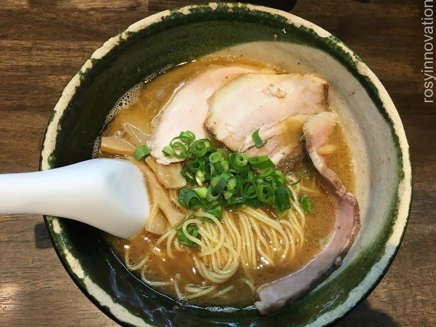 二代目麺処くるりの限定醤油ラーメン (1)