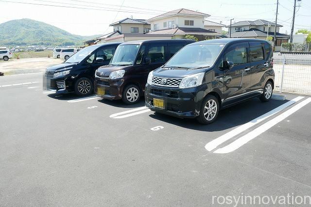 麺処おぐら (2)駐車場