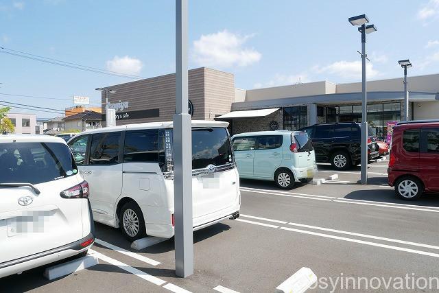 ジョルジュラパンうさぎや岡山店カフェ (1)駐車場