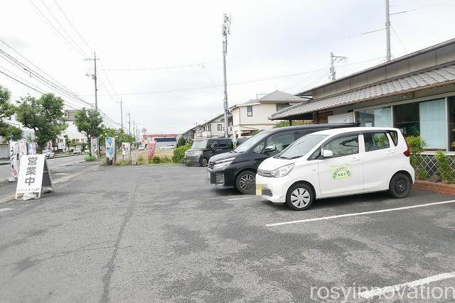 いわ屋 (2)駐車場